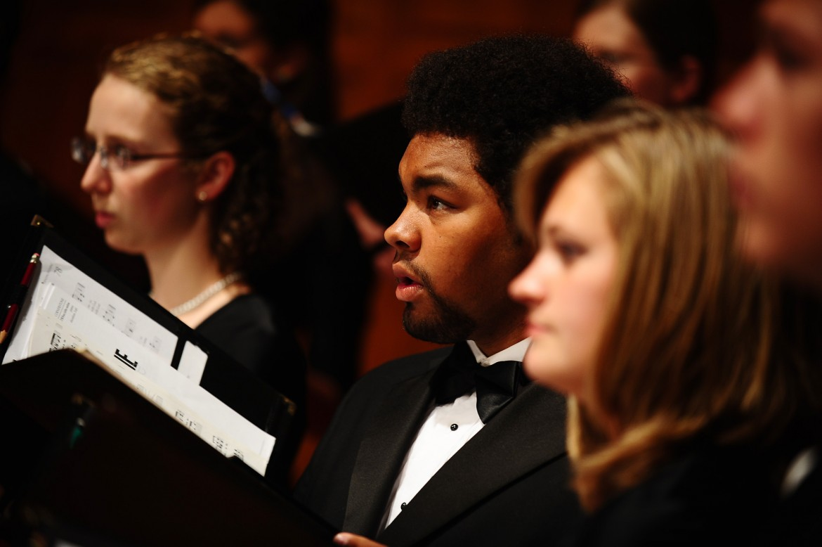 The Hesston College Bel Canto Singers will sing in the chorus of the Wichita Grand Opera's Tenth Anniversary Gala Concert.