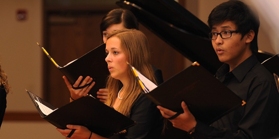 2013-14 Hesston College Bel Canto Singers