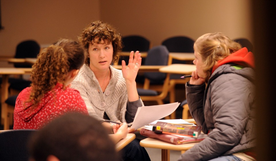Karen Sheriff LeVan works with College Writing students