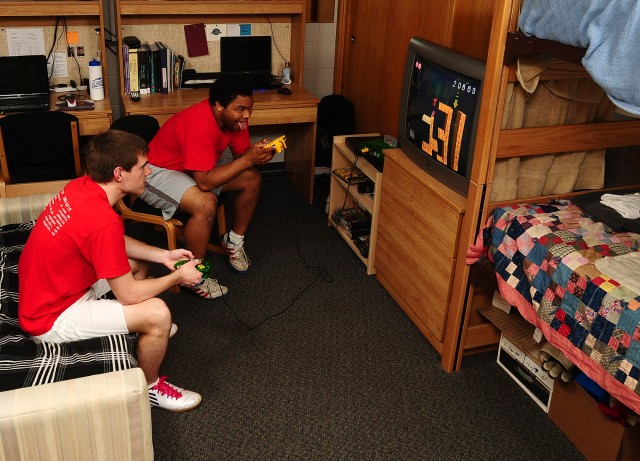 Kauffman Court dorm room photo