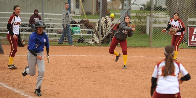 Hesston College softball photo