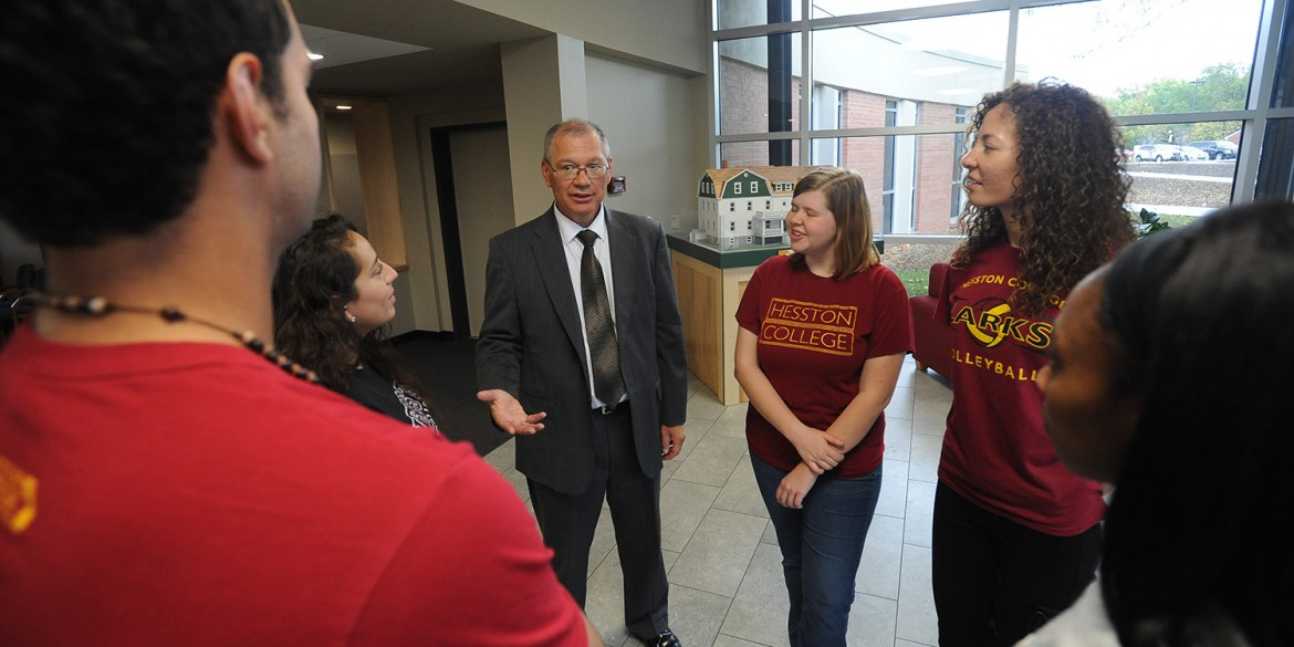 President Howard Keim visits with sophomores who serve as First-Year Experience Scholars.