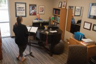 Casey Perez '16 (Kalona, Iowa) has a voice lesson with music faculty member Matt Schloneger '92.