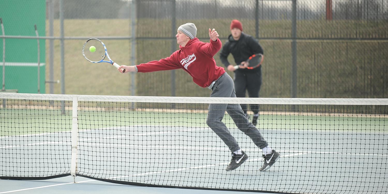 Lark women's tennis wins, men's team falls at Kansas Wesleyan