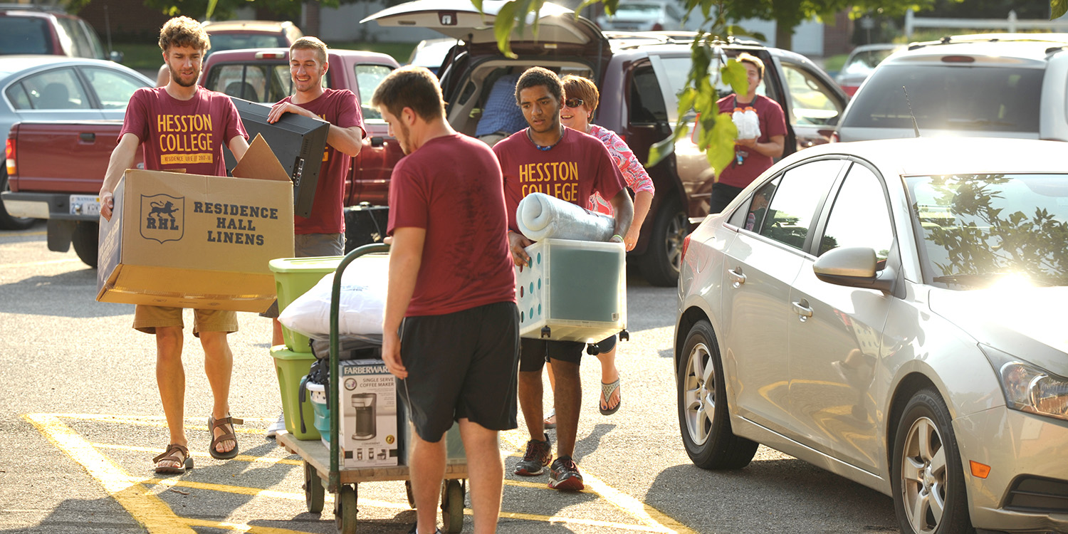 Students move in to Kauffman Court