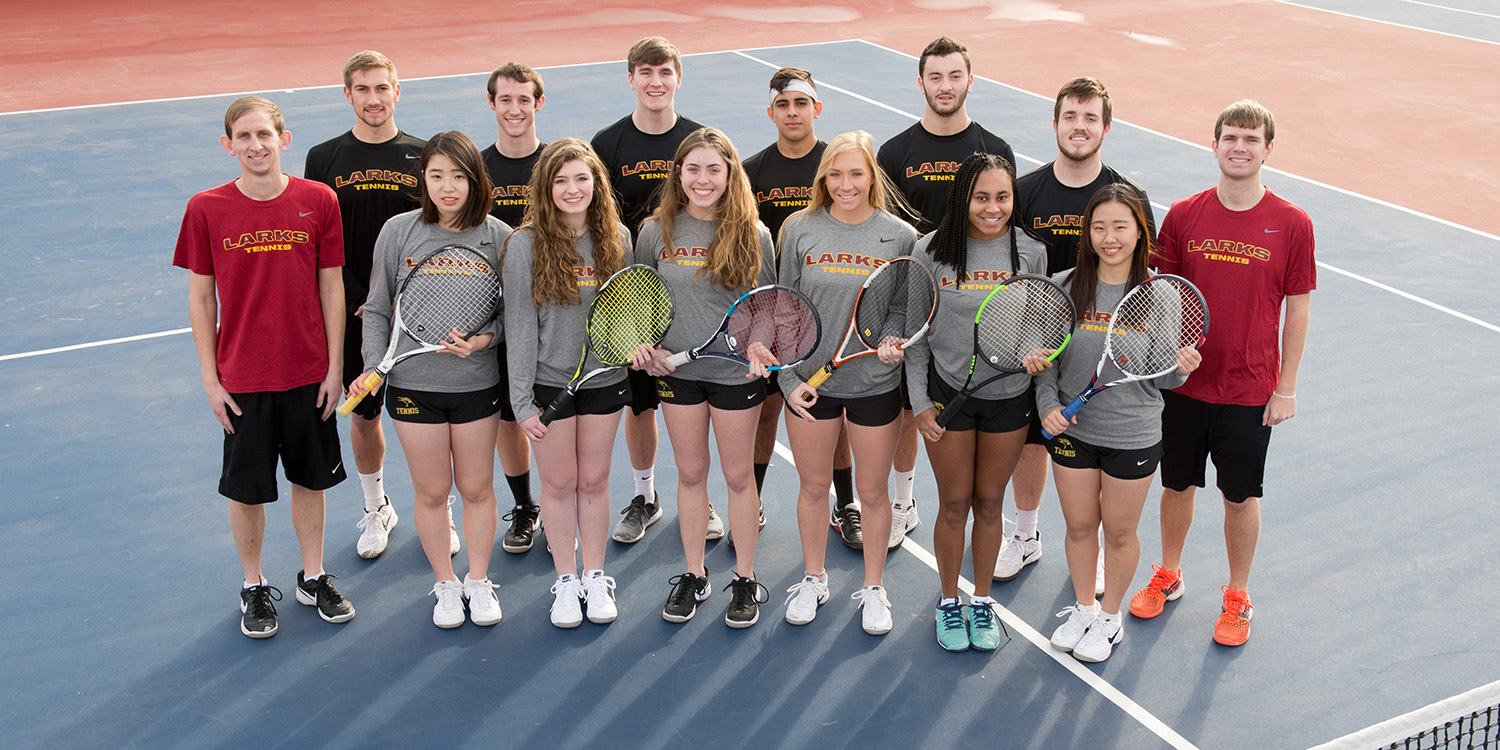 2018 Hesston College men's and women's tennis teams
