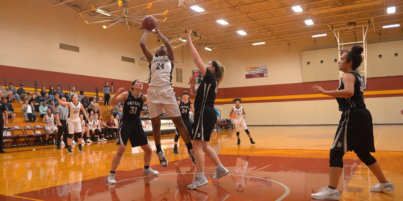 Hesston College women's basketball action photo - Essence Tolson