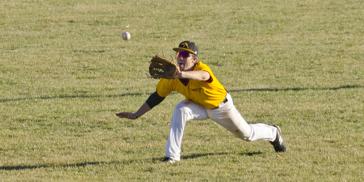 Hesston College baseball action photo by Gerlach