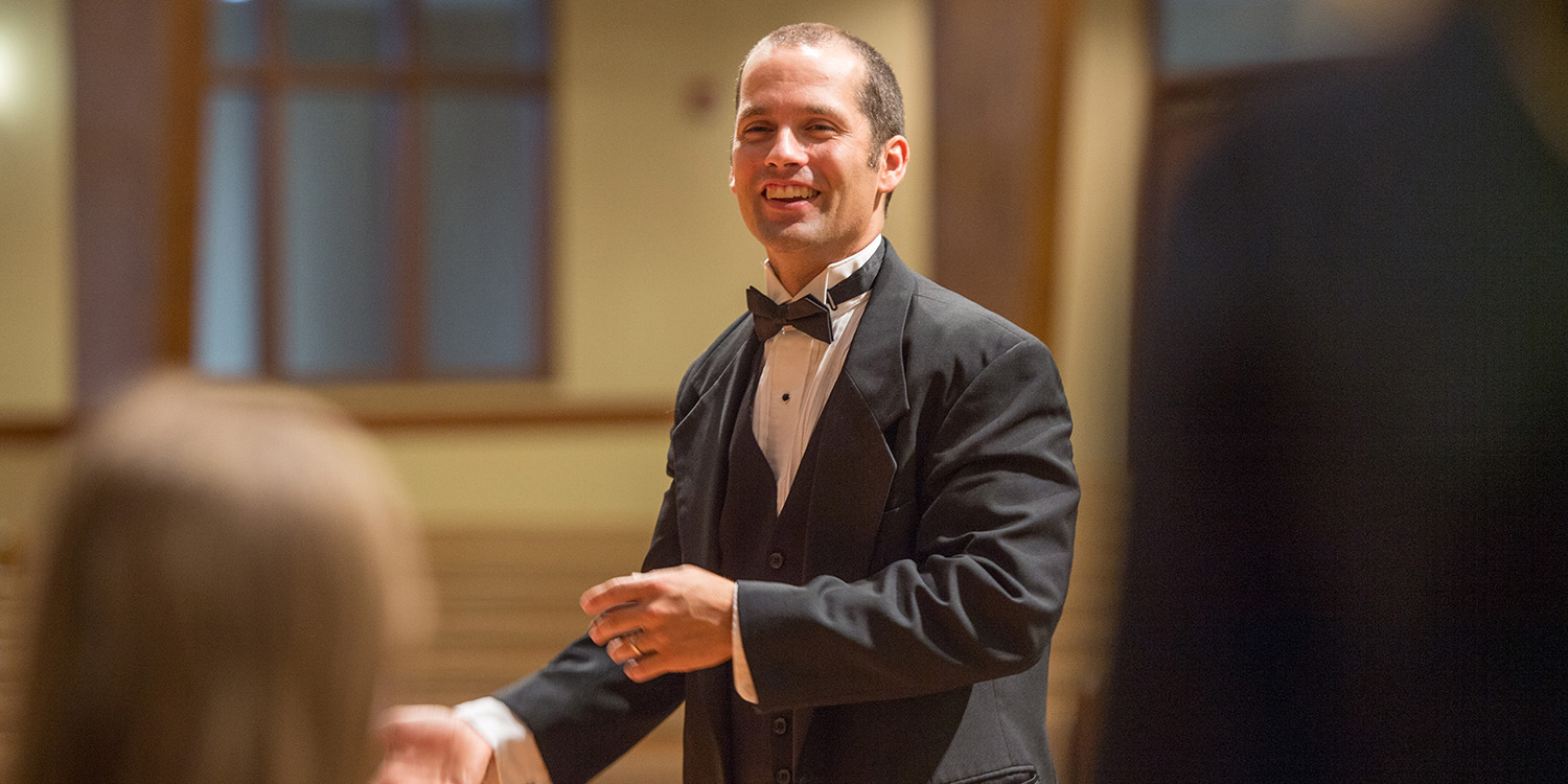 Music Majors - Music Prof Russell Adrian directs Bel Canto Singers